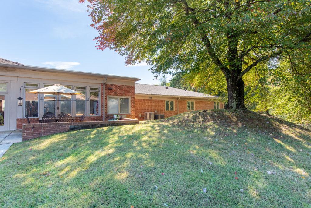 Elms of Lynchburg - Senior Living web-20